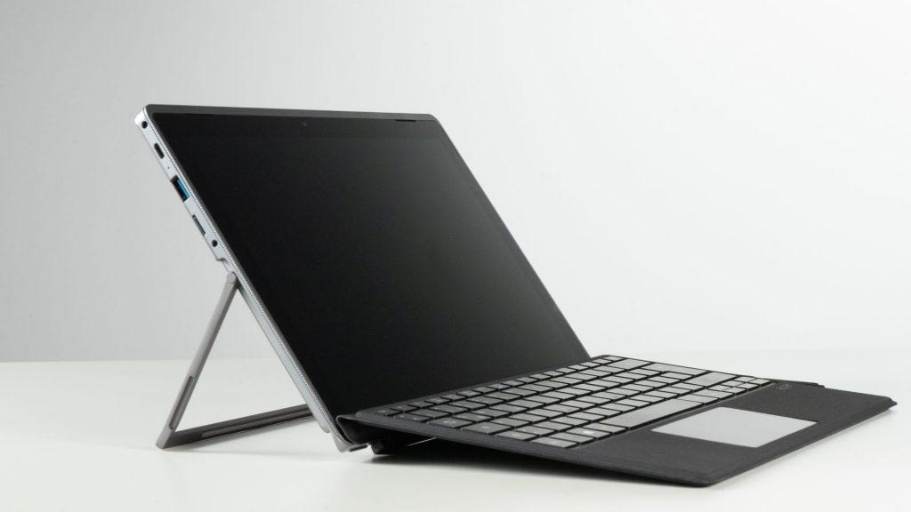 2 in 1 gaming laptop